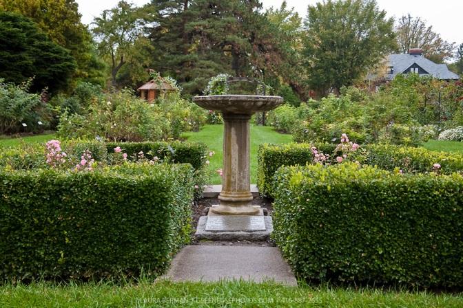 Formal-garden-LB0810-7683