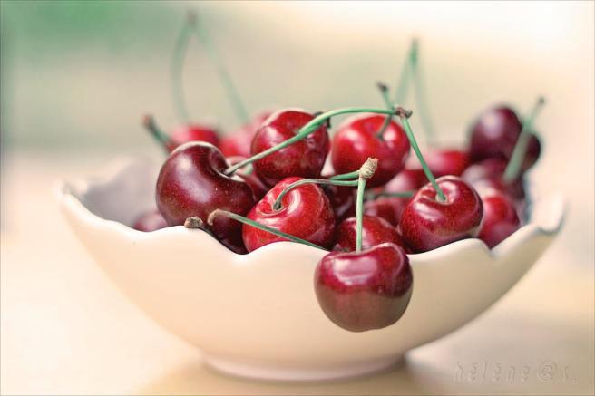 bowl-of-cherries-photo-hlne